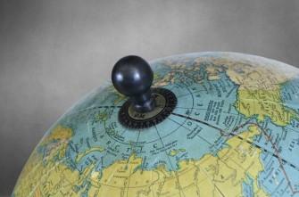 globe-top-finial